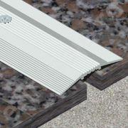 Trecere Prolux lata cu striatii din aluminiu eloxat - PSG407