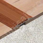 Trecere / prag Lineco din aluminiu sublicromat cu insertie din PVC cauciucat - LTI409